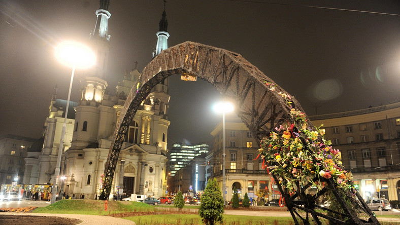 Spalona tęcza na Placu Zbawiciela w Warszawie
