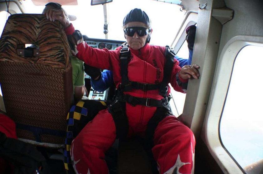 72-latka skocze z wysokości 4 kilometrów