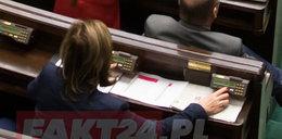 Oszustwo w Sejmie? PO szuka 19 posłów PiS