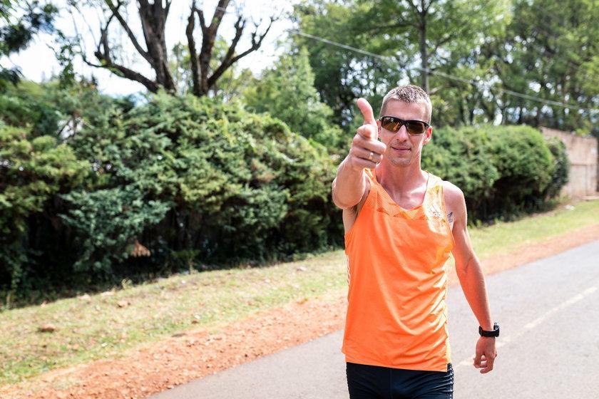 Marcin Lewandowski, wielokrotny medalista mistrzowskich imprezach w biegach na 800 m i 1500 m w rozmowie z Faktem zdradza, jak przetrwał dwutygodniową kwarantannę.
