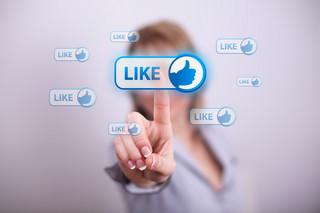 Facebook szkodzi młodzieży. Nadużywają alkoholu i narkotyków