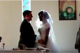 venčanje napad krokodila