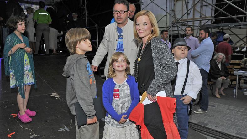Monika Richardson i Zbigniew Zamachowski z dziećmi