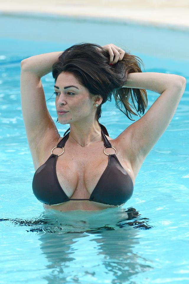 "Casey Batchelor, gwiazda programu ""Big Brother"" w bikini"