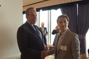 (VIDEO) Pogledajte kako je izgledao kratak susret Brnabić i Pacolija u zgradi UN