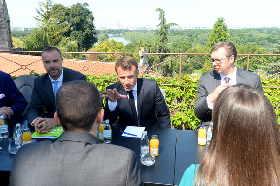 Emanuel Makron i Aleksandar Vučić razgovarali sa mladima
