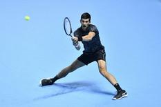POZNAT PRVI POLUFINALISTA Izner osvojio set i poslao Novaka u završnicu turnira u Londonu