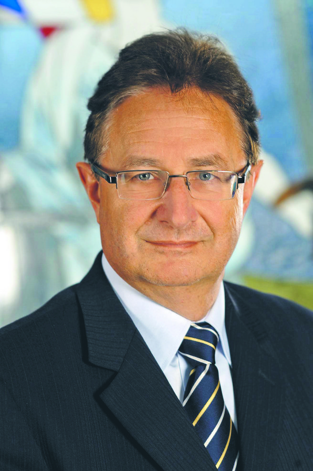 prof. UG dr hab. Andrzej Powałowsk, adwokat prowadzący własną kancelarię.