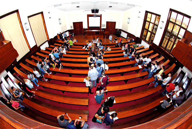 Izuzetno interesovanje Kragujevčani su pokazali za novi program četiri fakulteta Psihologija, za koji se prijavilo 96 kandidata na odobrenih 30 mesta.