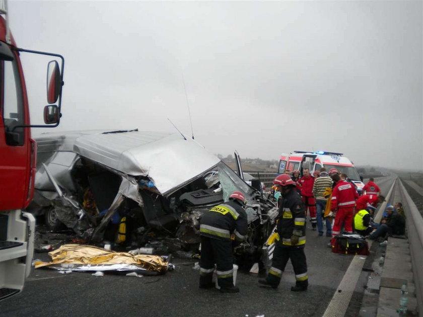 Wypadek na A4. 1 osoba nie żyje