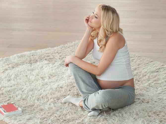 Pitali smo onkologa: Koliko rak dojke utiče na plodnost žene?