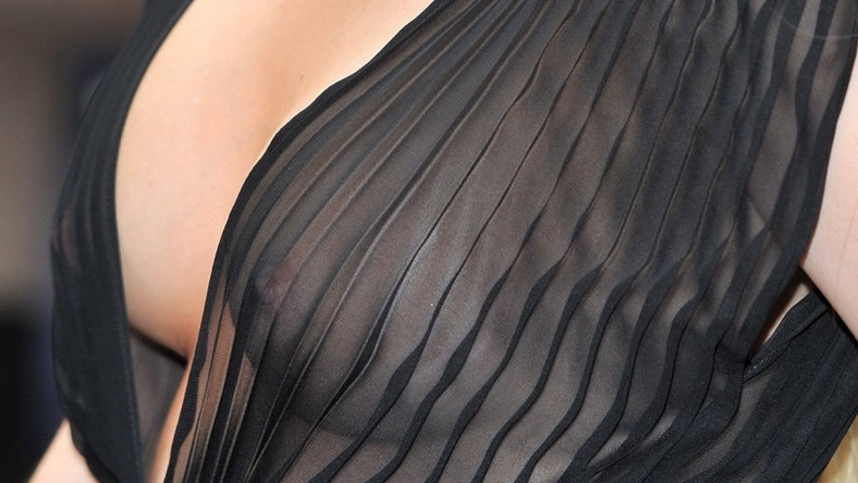 Pod sukienkę z takiej tkaniny nie można było założyć bielizny