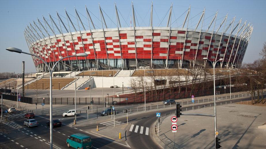"""Trzaskowski alarmuje, że rząd """"podbiera"""" lekarzy z warszawskich szpitali do pracy na Stadionie Narodowym"""