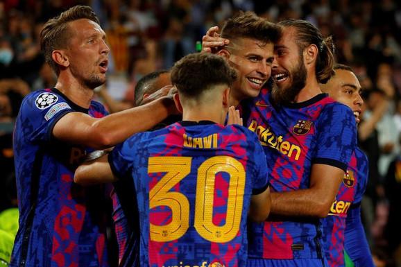 Barselona KONAČNO UPISALA POBEDU U LIGI ŠAMPIONA! Pike doneo prvu radost ove sezone, a Salcburg preslišao bundesligaša!