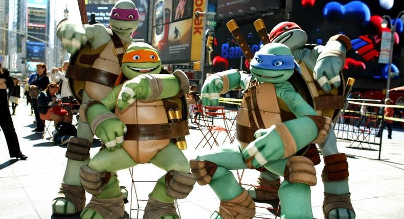 Two days ago Vargus had sent out a simple tweet that read My girlfriend says if this tweet gets 100k RTs, she'll let me dress up as a Ninja Turtle on our wedding day.