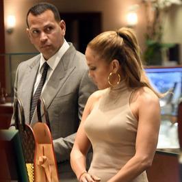 Jennifer Lopez i jej ponętne kształty