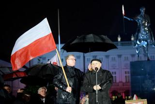 Jarosław Kaczyński podczas miesięcznicy: 10 kwietnia staną pomniki