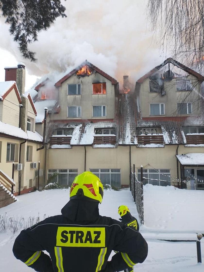 Gigantyczny pożar hotelu w Augustowie. Ewakuowano 50 osób