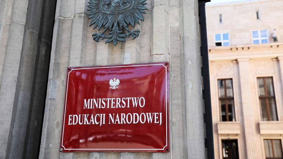 Ministerstwo Edukacji Narodowej ostrzega nauczycieli przed konsekwencjami prawnymi