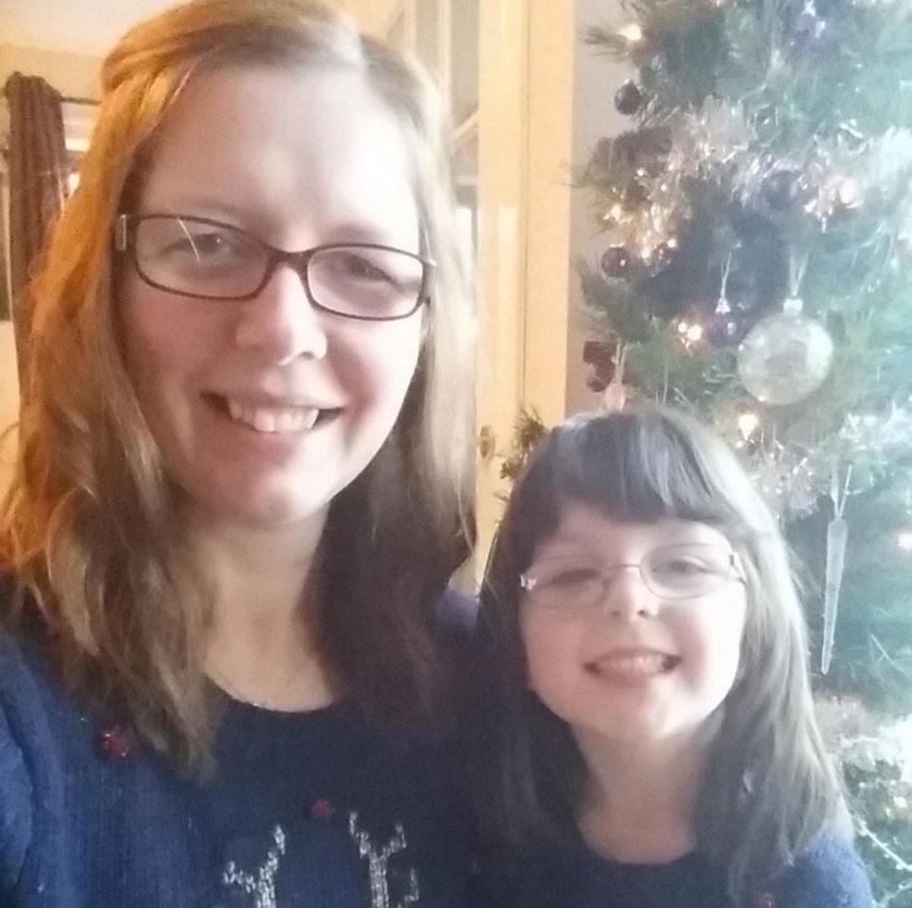 Święty Mikołaj na rysunku córki przeraził Lisę Hawkins. Dwuznaczny!