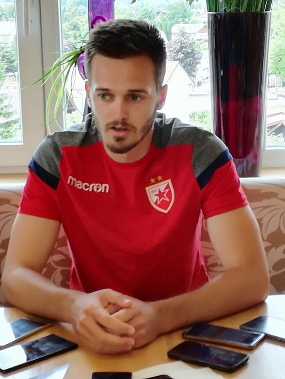 Mirko Ivanić tokom našeg razgovra na pripremama Crvene zvezde u Austriji
