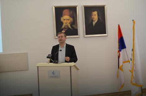 """Prof. dr Milojko Arsić,  jedan od autora """"Kvartalnog monitora"""""""