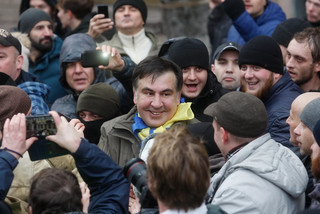 Saakaszwili z grupą zwolenników protestuje w Kijowie. Usłyszał ultimatum: Ma 24 godziny