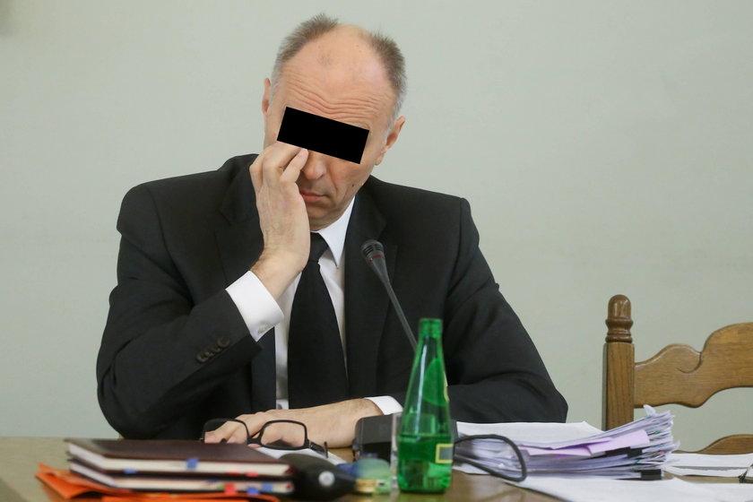 Prokuratura uważa, że Andrzej J.  i inni urzędnicy nie dopilnowali swoich obowiązków