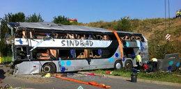 10 osób zginęło w katastrofie polskich busów. FILM