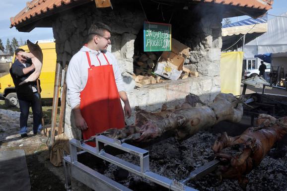 Za one što vole a imaju: Kilogram jagnjetine u Mačkatu 1.800 dinara
