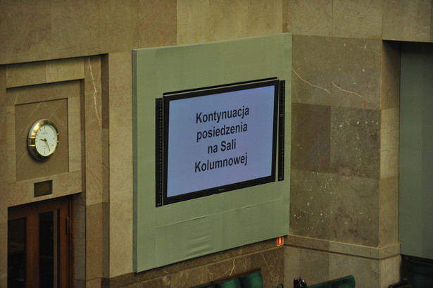 Sejm, obrady przeniesione do Sali Kolumnowej