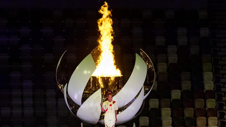 Naomi Osaka podczas ceremonii otwarcia IO w Tokio