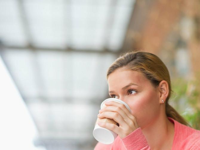 Kafu i čaj pijete ŠTO TOPLIJE? U tom slučaju ste u VELIKOM RIZIKU od ove bolesti