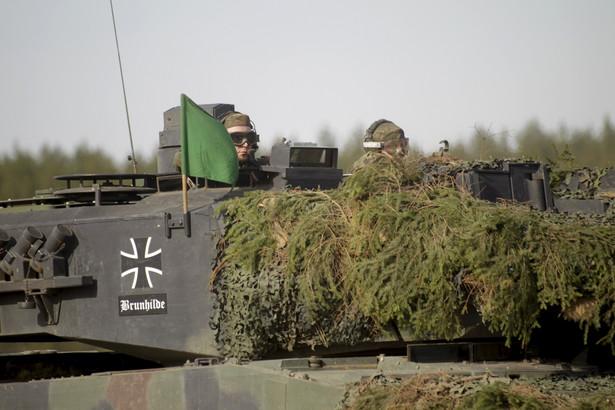 Batalion uzupełniają czołgi Leopard 2 ze 104. batalionu czołgów.