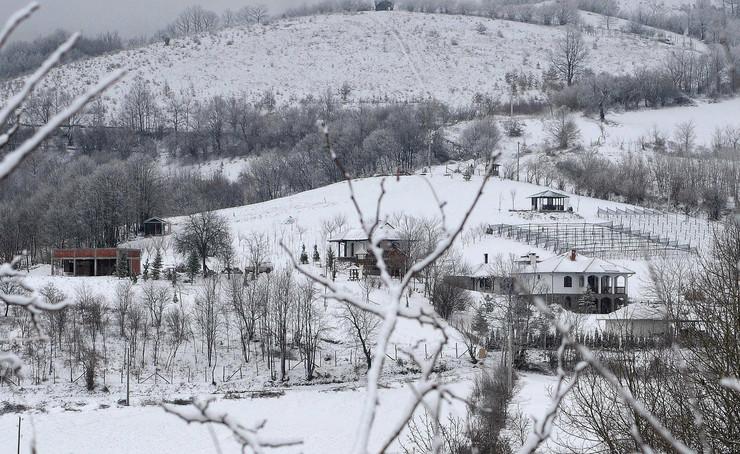 Sneg i breg: Antić poredi Bajčetinu sa Bakingemskom palatom