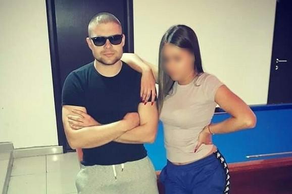 """""""ON JE SILEDŽIJA, A SAD O IVANI PRIČA LAŽI"""" Brat devojke koju je brutalno pretukao Lacković šokiran SVEDOČENJEM NASILNIKA"""