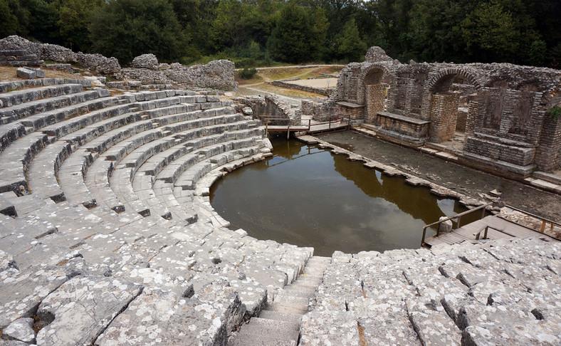 Butrint - niewielka osada na pograniczu z Grecją słynie z zabytków. Tu amfiteatr z VI wieku