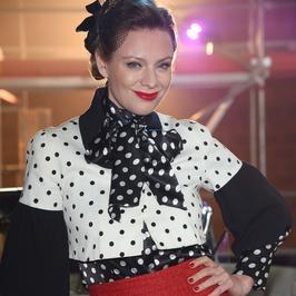 """Magdalena Boczarska w ciekawej stylizacji na planie """"Drugiej szansy"""""""