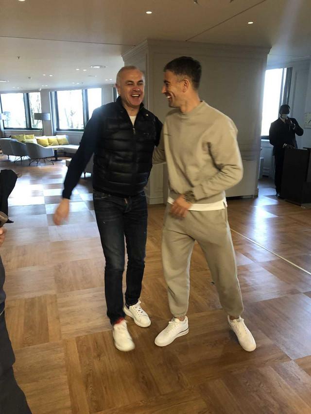 Zvezdan Terzić i Aleksandar Kolarov u milanskom hotelu pred odlazak Crvene zvezde na revanš meč s Milanom u Ligi Evrope