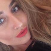 Lidija (21) je zavirila momku biznismenu u telefon dok je bio na poslu! Obesila se zbog onoga što je videla! (FOTO)