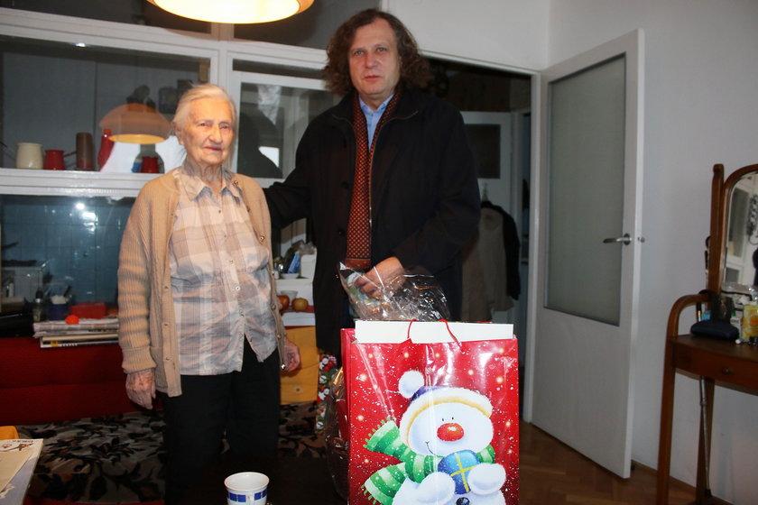 Pani Elżbieta została obdarowana przez Jacka Karnowskiego, prezydenta Sopotu