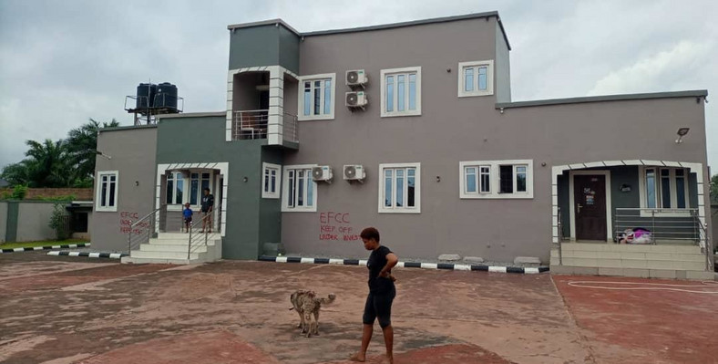 5-bedroom duplex recovered from suspects [EFCC]