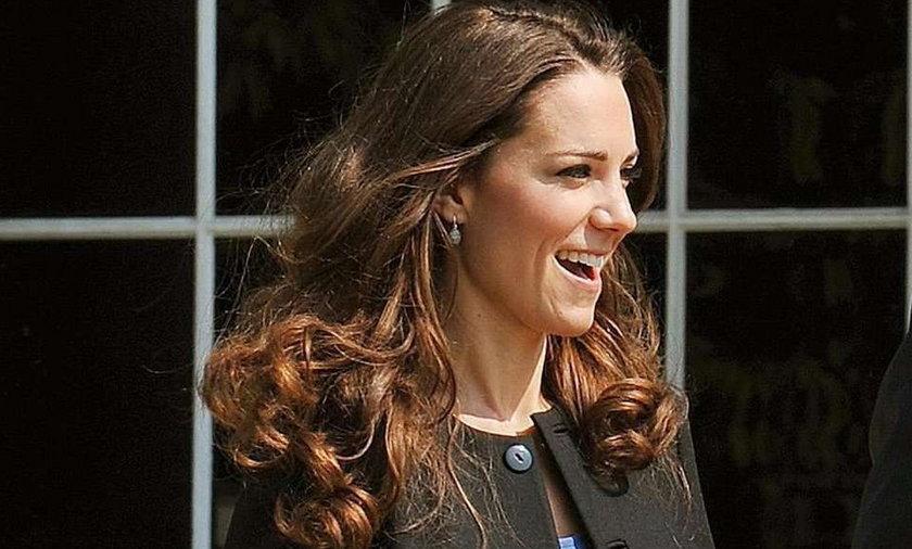 Szok! Księżna Kate i Pippa ubierają się w...