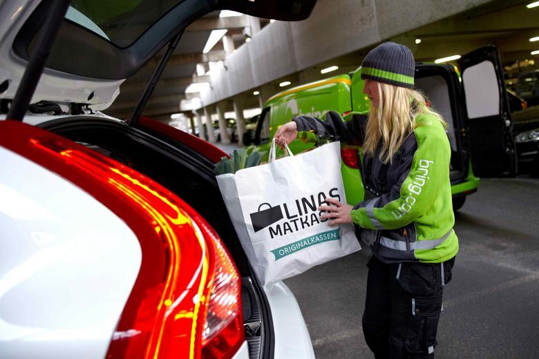 Volvo testuje dostawy kurierskie prosto do bagażnika