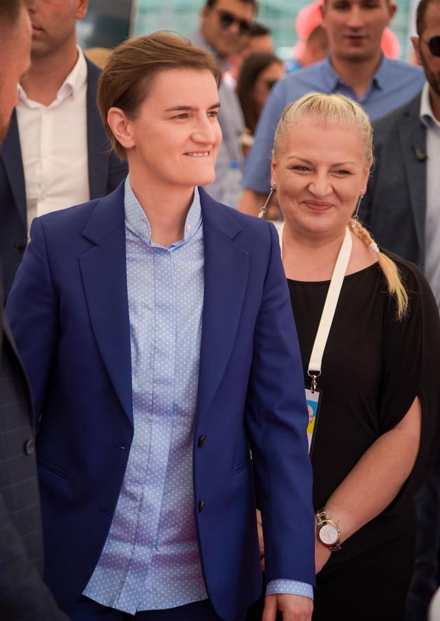 Ana Brnabić i Ivana Jovanović