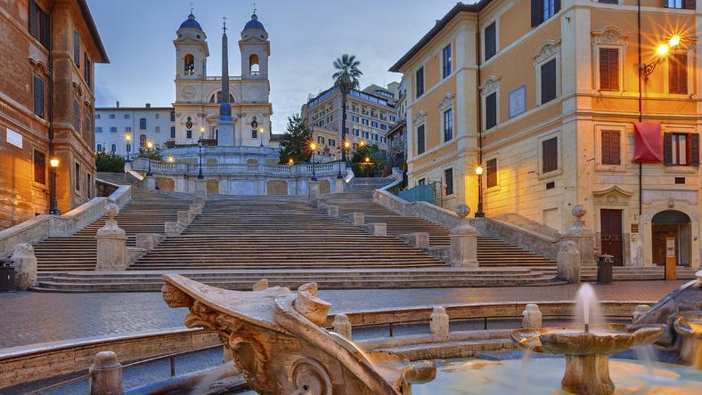 Schody Hiszpańskie, jedna z największych atrakcji turystycznych Rzymu