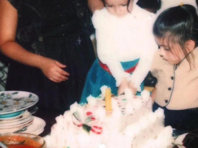 """Sa šest godina krenula je da se teši hranom: """"Bila sam gladna roditeljske pažnje, a danas imam 280 kilograma"""""""