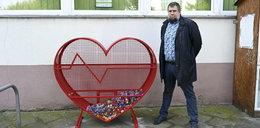 Wielkie serce stanęło na Gajowickiej. Wrzuć nakrętki dla dzieci z hospicjum!