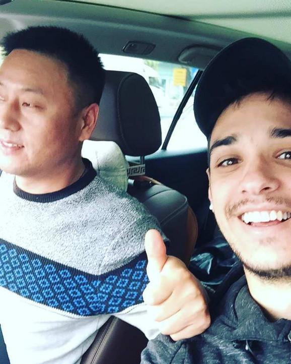 Vasiljević sa prijateljem iz Kine: U Šenženu ljudi se ne kreću u masama i slušaju savete za suzbijanje koronovirusa
