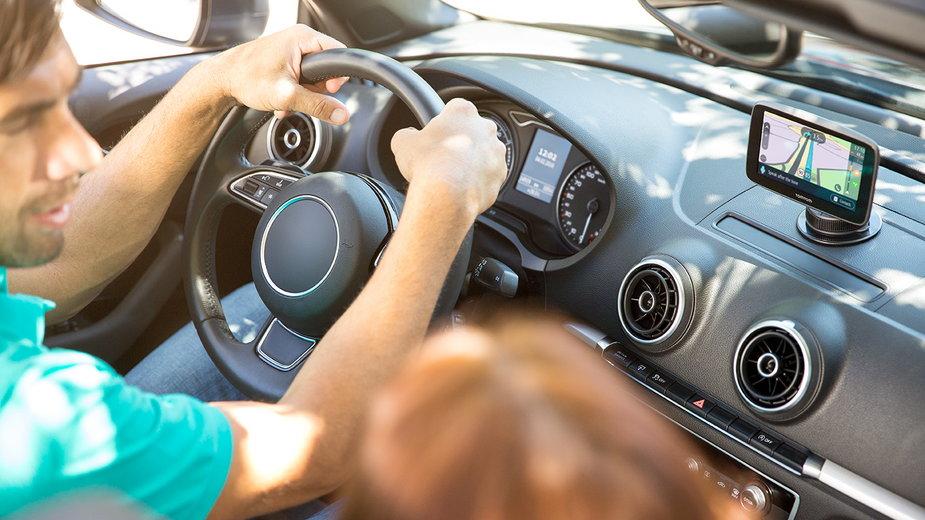 TomTom i Prido - które urządzenia warto kupić do samochodu?